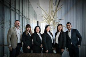 Zarząd spółki z o.o. pełni dwie bardzo istotne funkcje: prowadzi sprawy spółki oraz reprezentuje spółkę.
