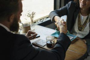 Jednym z etapów zakladania spółki z o.o. jest sporządzenie umowy spółki.